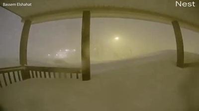 """""""Bom bão tuyết"""" hy hữu làm tê liệt thành phố của Canada"""