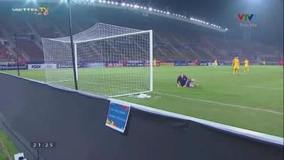 Kim Dae-Won dứt điểm chệch cột dọc trái khung thành U23 Australia. ở phút 50
