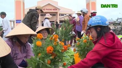 Nhộn nhịp phiên chợ bán Lộc đầu năm ở Phú Yên