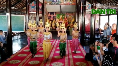 Nghe nhạc ngũ âm và xem múa Khmer ở chùa Xiêm Cán.