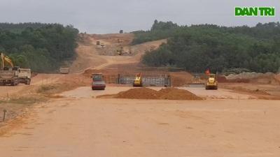 Khẩn trương thi công cao tốc Cam Lộ - La Sơn