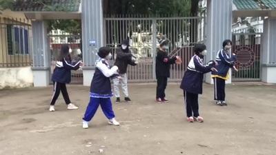 """Học sinh sáng tạo điệu nhảy """"rửa tay đúng cách"""" tuyên truyền chống Covid-19"""