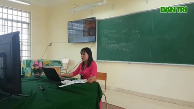 Lớp học trực tuyến ở vùng quê nghèo giữa mùa dịch