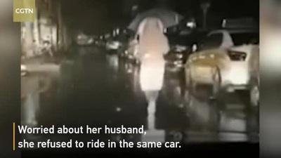 Câu chuyện cảm động của người chồng có vợ là bác sĩ đang chiến đấu với dịch Covid-19