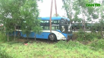Xe khách Nghệ An gặp nạn ở Phú Yên