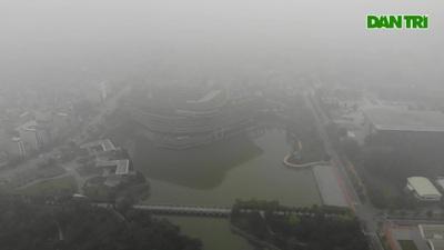 Không khí Hà Nội liên tục ở ngưỡng xấu, nhà cao tầng chìm trong mù mịt