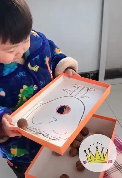 Những ý tưởng sáng tạo để cha mẹ tự chế đồ chơi cho con mình