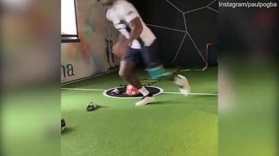 Pogba khiến người hâm mộ Man Utd nổi giận vì mặc áo Juventus tập luyện