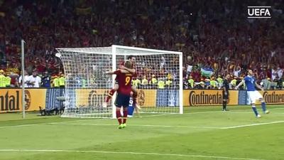 Thắng Italia 4-0, Tây Ban Nha vô địch Euro 2012