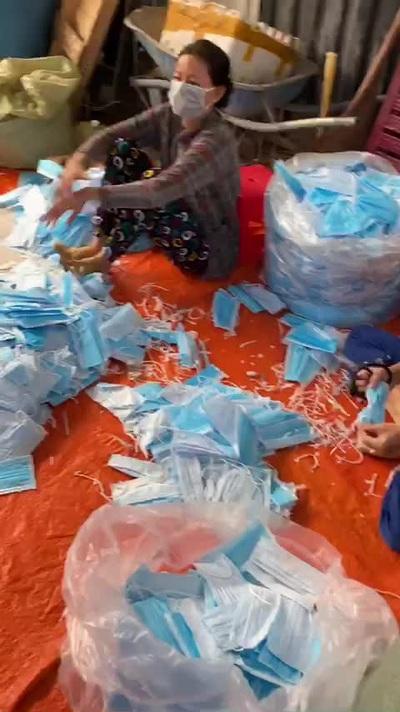Đáng sợ: Gom hàng trăm kg khẩu trang y tế đã dùng rồi bán ra thị trường