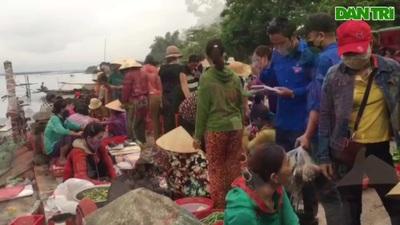 Đoàn viên, thanh niên… đi chợ giúp người dân mùa dịch Covid-19