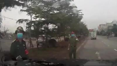 Cần xử lý nghiêm lái xe đi ngược chiều để tránh... chốt kiểm dịch