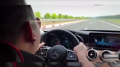 """Tài xế xe sang chạy quá tốc độ còn đăng video lên mạng để """"khoe"""""""