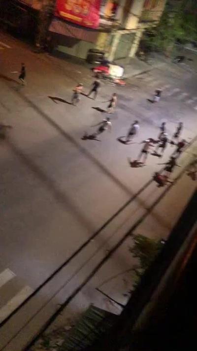 Video cảnh hỗn chiến kinh hoàng giữa 2 nhóm thanh niên ở TP Quy Nhơn