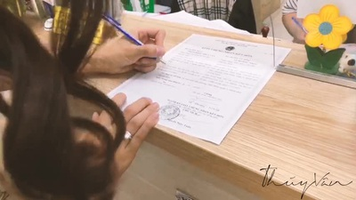 Thuý Vân đi đăng ký kết hôn