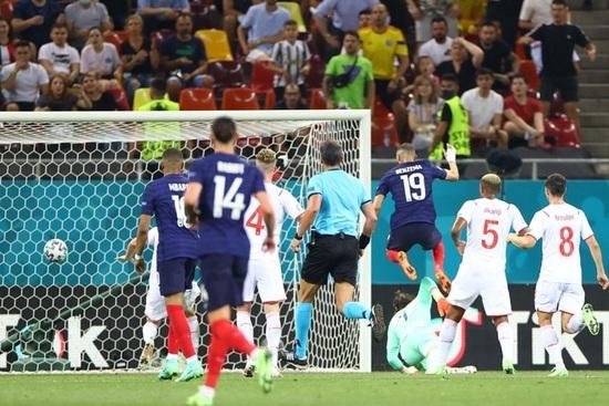 Nỗi đau xé lòng của Mbappe khi hóa tội đồ khiến Pháp bị loại ở Euro 2020 - 5