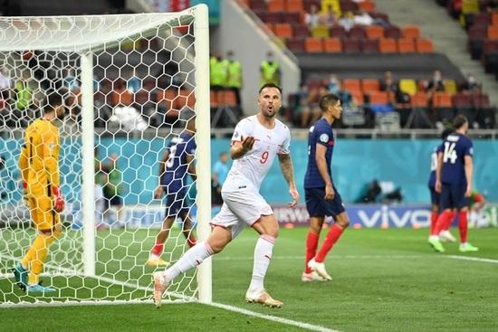 Nỗi đau xé lòng của Mbappe khi hóa tội đồ khiến Pháp bị loại ở Euro 2020 - 9
