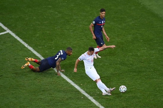 Nỗi đau xé lòng của Mbappe khi hóa tội đồ khiến Pháp bị loại ở Euro 2020 - 10