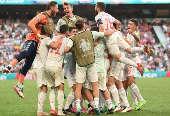 Tây Ban Nha lập kỷ lục sau chiến thắng nghẹt thở trước Croatia - 1