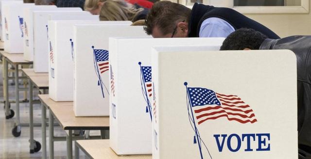 Nhiều cử tri Mỹ đã đi bỏ phiếu sớm bầu tổng thống. (Ảnh: AFP)
