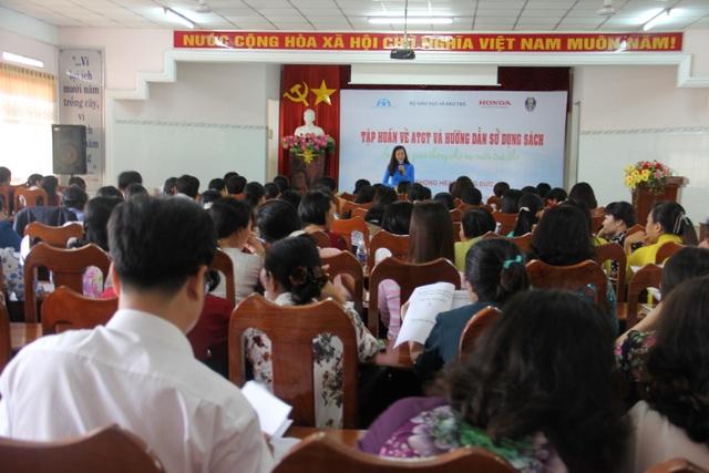 Các khóa tập huấn nội dung giáo dục ATGT cho cán bộ, giáo viên cốt cán tại các trường tiểu học được tổ chức nghiêm túc, bài bản.