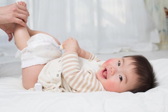 Da của bé nhạy cảm nên cần tã cấu tạo đặc biệt giúp ngừa hăm tã