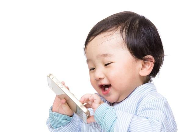 Những tác hại của thiết bị thông minh lên trẻ em thậm chí còn gấp nhiều lần so với người lớn.