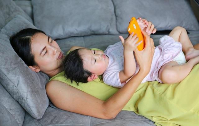 Sự kiểm soát và định hướng của bố mẹ là cực kì quan trọng.