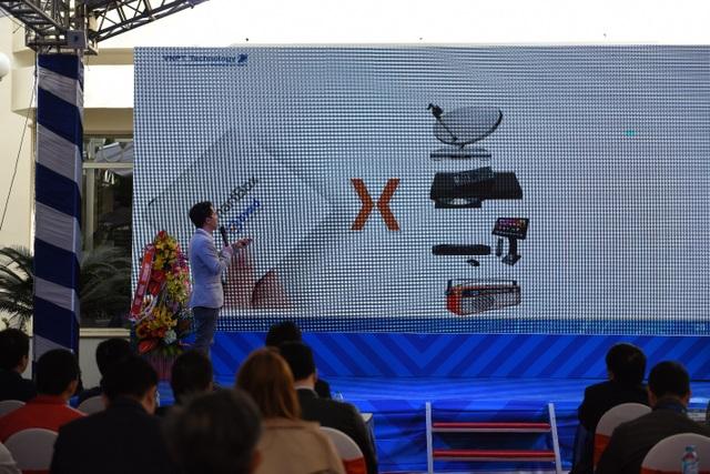 Ông Nguyễn Trung Kiên – Giám đốc Ban Quản lý và Phát triển Sản phẩm công nghệ VNPT Technology chia sẻ các tính năng sản phẩm trong buổi ra mắt.
