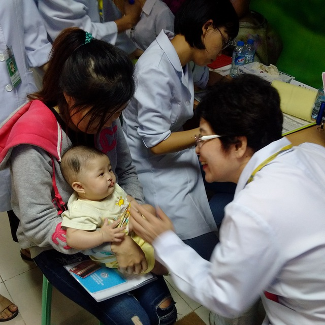 Lotte Mart đồng hành cùng Operation Smile Việt Nam giúp các em nhỏ hở hàm ếch - 4