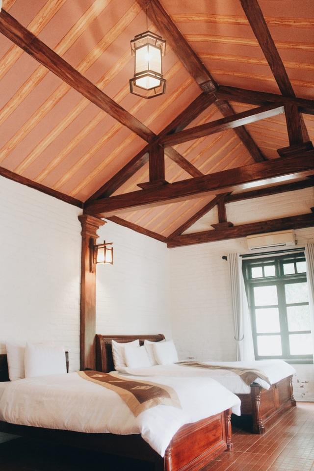 Nội thất phòng nghỉ giản dị, rất mộc mạc, gần gũi.