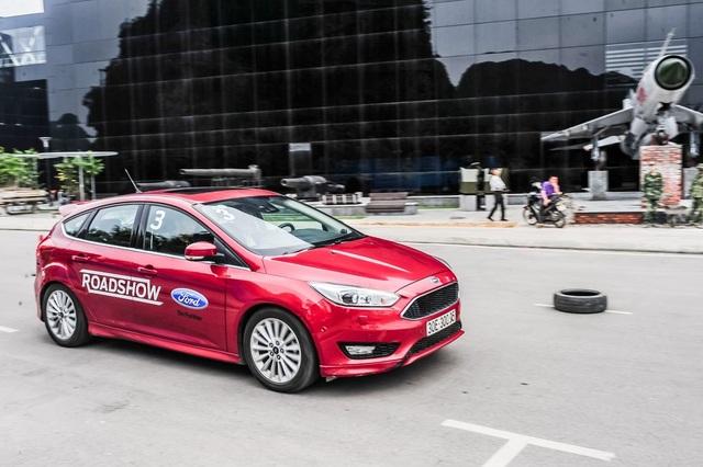 Sôi động Chương trình Lái thử xe & Bảo dưỡng lưu động Ford Roadshow 2017 - 3
