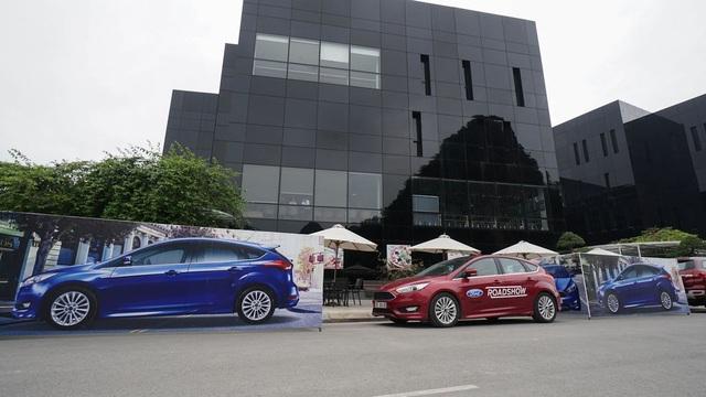 Sôi động Chương trình Lái thử xe & Bảo dưỡng lưu động Ford Roadshow 2017 - 4