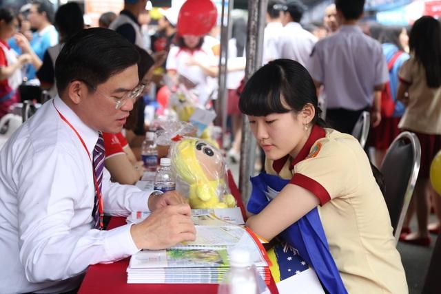 Đầu tháng 5 nhiều trường đã bắt đầu nhận hồ sơ xét học bạ