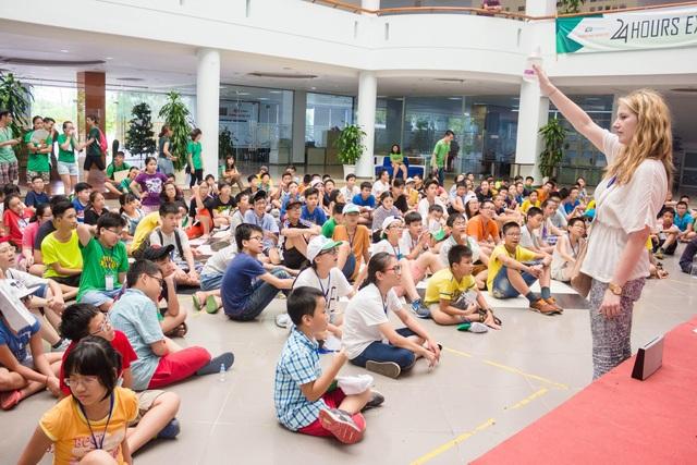 """Trẻ em cần môi trường giao tiếp để """"chơi"""" và giao tiếp tiếng Anh"""