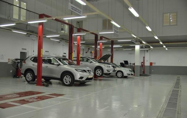 Khu vực khoang sửa chữa xe tại Đại lý Gò Vấp