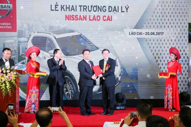 Nissan Việt Nam chính thức trao Hợp đồng đại lý cho Nissan Lào Cai