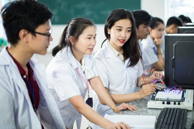 Nhiều cơ hội việc làm cho kỹ sư tốt nghiệp ngành Kỹ thuật y sinh tại Việt Nam
