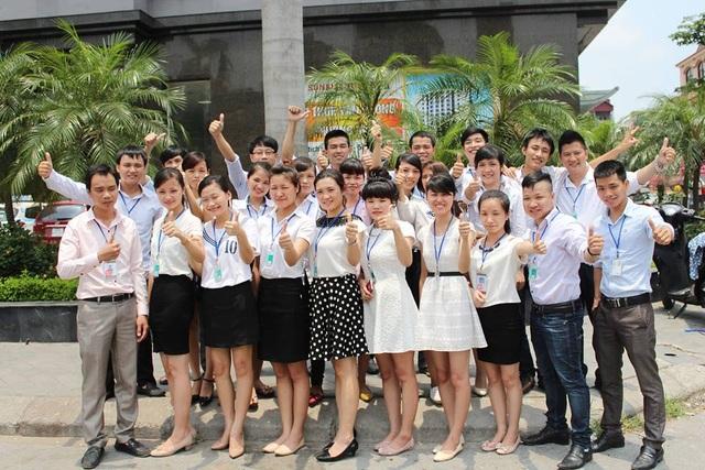 Đội ngũ nhân viên năng nổ, nhiệt tình của SimThangLong.vn