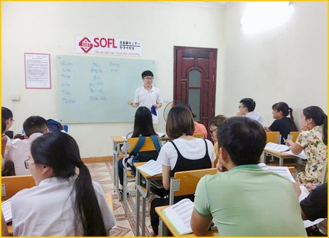 Tại SOFL, học viên sẽ được học tiếng Hàn cùng giáo viên bản ngữ.