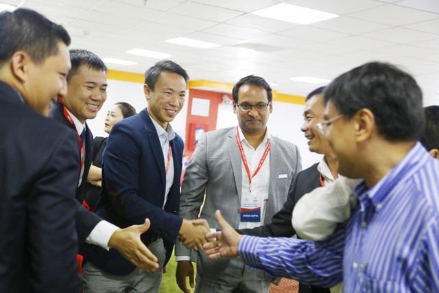 Tham gia khóa học MBA quốc tế, học viên có cơ hội mở rộng mạng lưới hợp tác kinh doanh toàn cầu