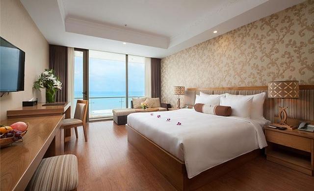Phòng ngủ hiện đại, ấm cúng tại Diamond Sea.