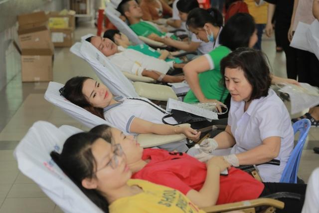 Ngân hàng VPBank kêu gọi được hơn 1.000 đơn vị máu - 4
