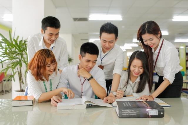 Ở HUTECH sinh viên được kích thích tinh thần sáng tạo và kỹ năng làm việc nhóm hiệu quả