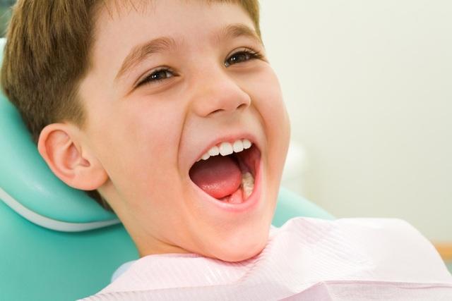 Hàm răng của bé luôn chắc, khỏe, không bị sâu là điều phụ huynh nào cũng mong muốn.