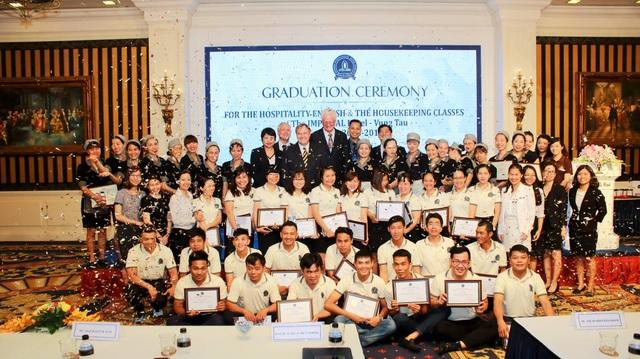 Học viên tốt nghiệp Imperial International Hotel School có nhiều cơ hội tìm kiếm việc làm thu nhập cao