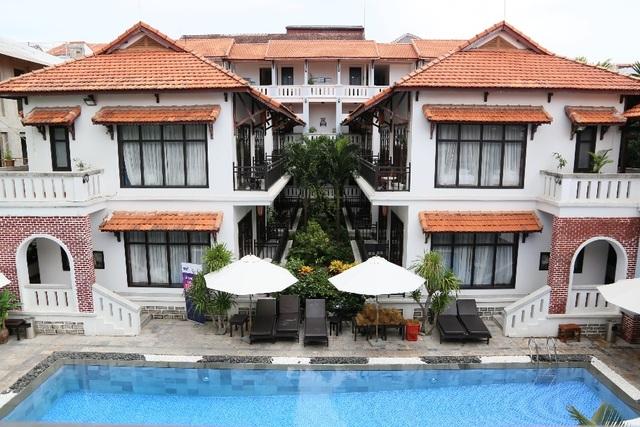 Bên cạnh hồ bơi thoáng rộng, TTC Hotel Premium - Hội An cung ứng các dịch vụ spa, tour du lịch tham quan Hội An và Đà Nẵng, xe đưa đón sân bay…