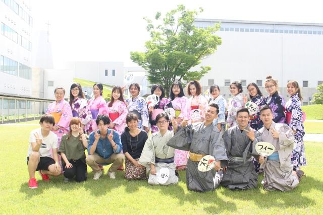 Sinh viên ngành UEF tham gia học kỳ quốc tế tại Xứ sở hoa anh đào