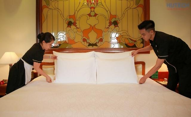 Sinh viên ngành Quản trị khách sạn tham gia Học kỳ doanh nghiệp tại khách sạn Majestic