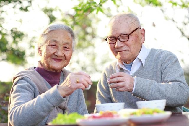 Bổ sung chất đạm cho người cao tuổi như thế nào là hợp lý? - 1
